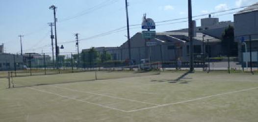 月潟テニス場